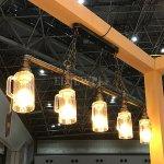 <b>【在庫有!】</b>インダストリアル・スタイル照明 パイプ&ジョッキ型シェード 5灯(W1000×H700mm)