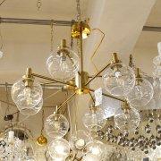 【1台在庫有!】ガラスシェードデザイン照明 8灯ゴールド(W800×H600mm)