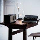 <B>【DeMajo】</B> イタリア製 デザイン・ガラスシェードテーブルライト 2灯 (W160×H400mm)