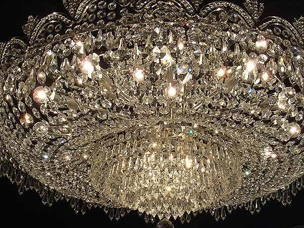 【1台在庫有!/チャイニーズクリスタルのみ】【LA LUCE】エンパイア型クリスタルシャンデリア 24灯(W1000×H500mm)