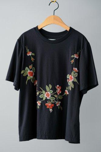 nesessaire クロスステッチ刺繍 Tシャツ (black)