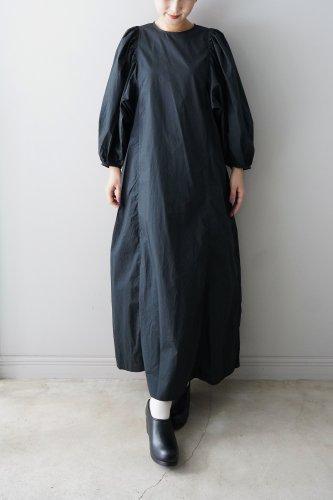 UNIVERSAL TISSU Puff sleeve One piece (Black)