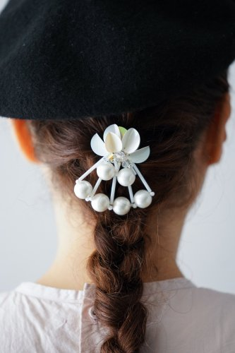 Joelle mani Evan Hair clip (Pearl×Whitebeads)