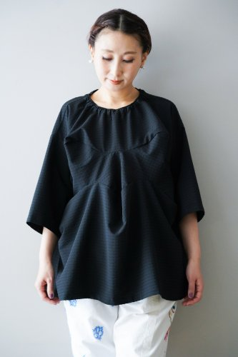 HOUGA Drape Pullover (Black)