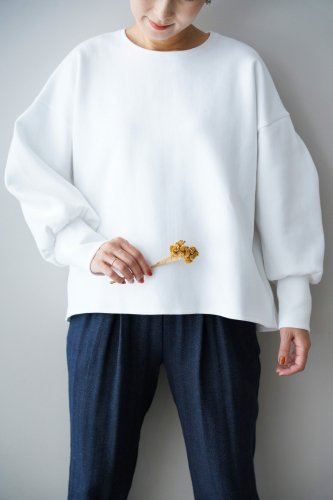 si-si-si comfort Volume sleeve pullover (White)