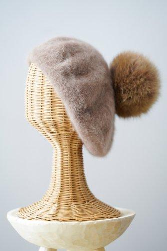 バラ色の帽子 Bonbon angora beret(Camel)