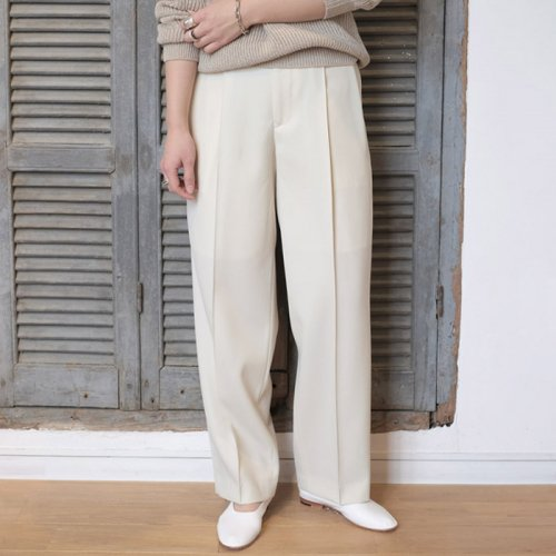 LIGHT WOOL MAX GABARDINE SLACKS