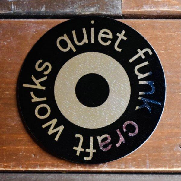 q.f round sticker (large)