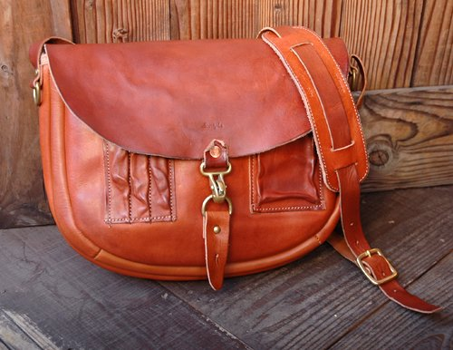 "Sturdy Luggage Supply|""EXPLORER"" Shoulder Bag (Red Brown Leather)"
