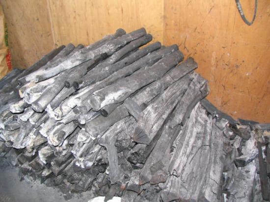 硬木 楢(なら)材 白炭 (中~大割) 12kg袋詰め
