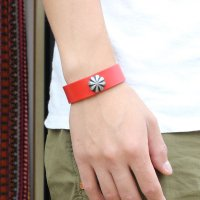 <img class='new_mark_img1' src='//img.shop-pro.jp/img/new/icons14.gif' style='border:none;display:inline;margin:0px;padding:0px;width:auto;' />【BUTTON WORKS】CONCHO RIBBON BRACELET RED レザーブレスレット ボタンワークス