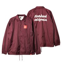 <img class='new_mark_img1' src='https://img.shop-pro.jp/img/new/icons14.gif' style='border:none;display:inline;margin:0px;padding:0px;width:auto;' />【STANDARD CALIFORNIA】CHOCOLATE × SD CHUNK LOGO COACH JACKET BURGUNDY コーチジャケット スタンダードカリフォルニア