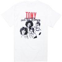 <img class='new_mark_img1' src='https://img.shop-pro.jp/img/new/icons14.gif' style='border:none;display:inline;margin:0px;padding:0px;width:auto;' />【TONY TAIZSUN/トニータイズサン】TONY AND THE BOYS TEE WHITE Tシャツ