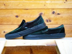VANS CLASSIC SLIP-ON (VELVET GREEN)<img class='new_mark_img2' src='//img.shop-pro.jp/img/new/icons47.gif' style='border:none;display:inline;margin:0px;padding:0px;width:auto;' />