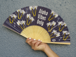 ALOHA VIBES ONLY 京扇子 2019<img class='new_mark_img2' src='//img.shop-pro.jp/img/new/icons47.gif' style='border:none;display:inline;margin:0px;padding:0px;width:auto;' />