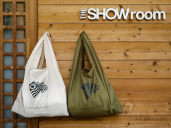 Cloveru Limited Nylon Shopping Bags.<img class='new_mark_img2' src='https://img.shop-pro.jp/img/new/icons47.gif' style='border:none;display:inline;margin:0px;padding:0px;width:auto;' />