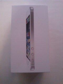 iPhone5 16GB ホワイト 海外版正規シムフリー 新品 白ロム docomoで利用可能♪