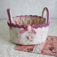 布のバスケット  ピンクの薔薇 ボーダー柄