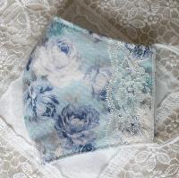 ブルー&ホワイトの薔薇とレースのロマンチックなマスク