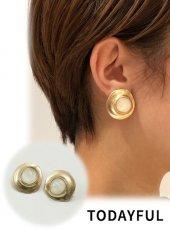 TODAYFUL(トゥデイフル)<br>Nuance Shell Earring  19春夏.【11910939】ピアス・イヤリング