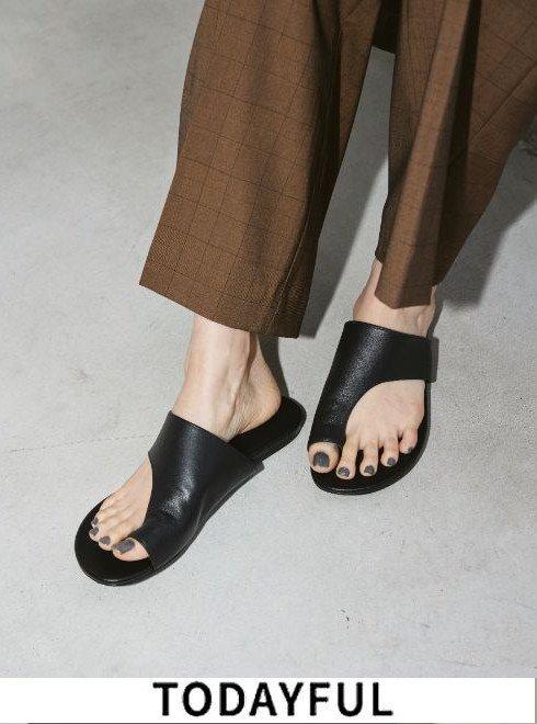 TODAYFUL (トゥデイフル)<br>Tong Leather Sandals  21春夏.予約【12111047】サンダル 入荷予定 : 5月中旬〜