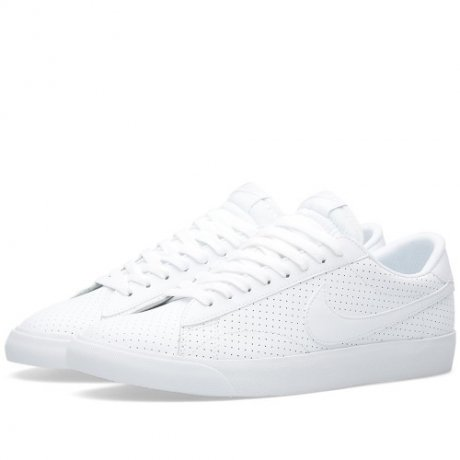 <img class='new_mark_img1' src='https://img.shop-pro.jp/img/new/icons20.gif' style='border:none;display:inline;margin:0px;padding:0px;width:auto;' />NIKE / NIKE TENNIS CLASSIC AC(WHITE)