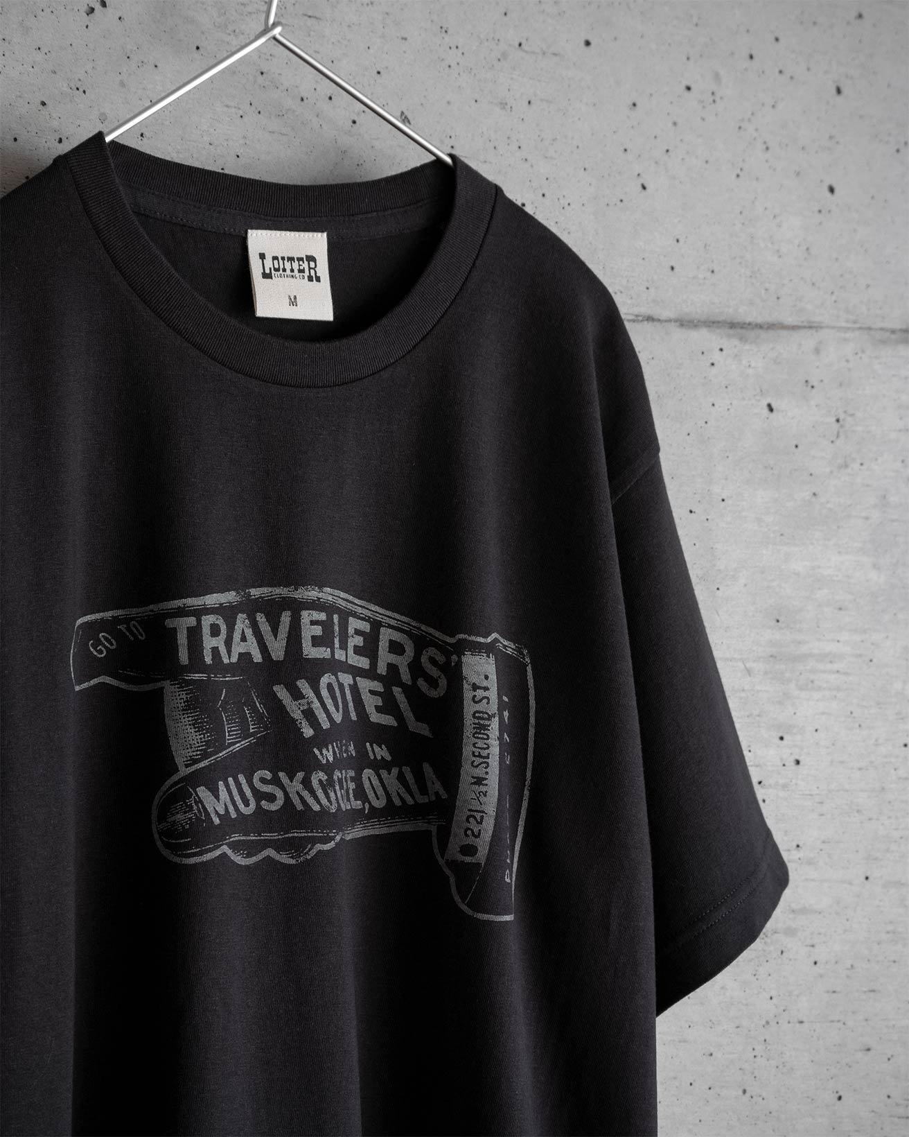 TRAVELERS' HOTEL Tシャツ