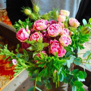 記念日に野花を摘んだようなキュートナチュラルブーケ