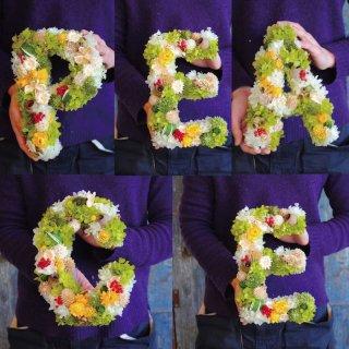アルファベットリース(5文字:PEACE・HAPPY・SMILE etc)