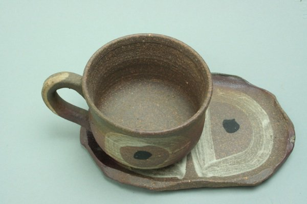 焼締めコーヒー碗皿シロ丸模様