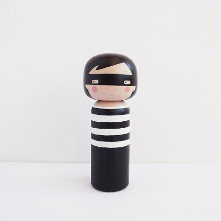Lucie Kaas / Kokeshi Doll (Thief) - ...