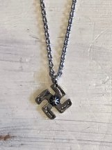 ROSETTA PRAYER : SILVER PLATING SWASTIKA NECKLACE
