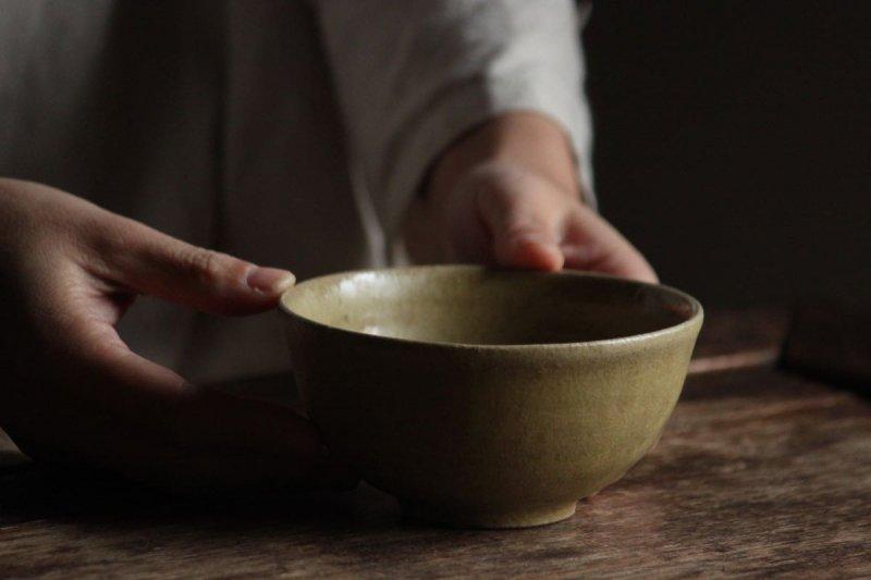 長谷川奈津 松灰釉碗