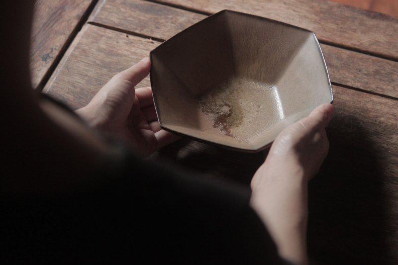 生形由香 色釉6角鉢-02