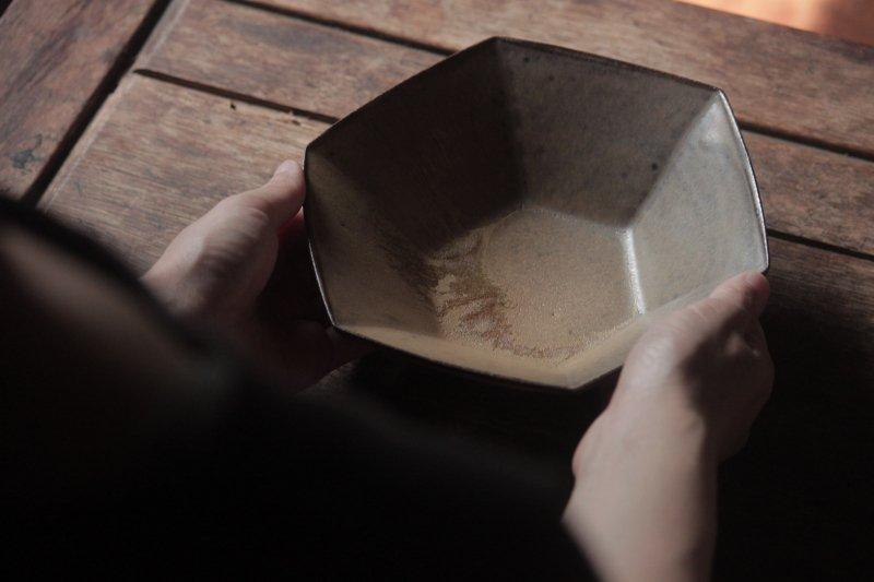 生形由香 色釉6角鉢-03