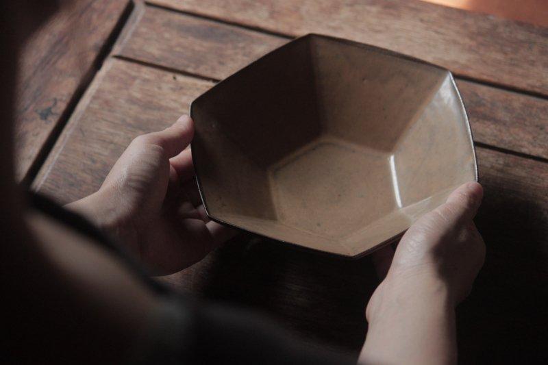 生形由香 色釉6角鉢-04