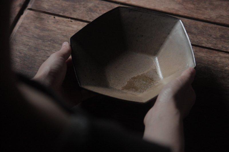 生形由香 色釉6角鉢-05