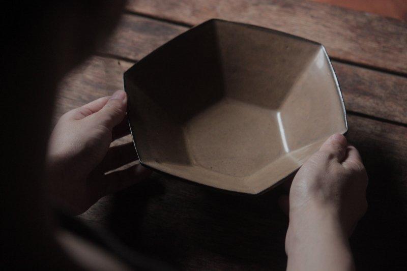 生形由香 色釉6角鉢-09