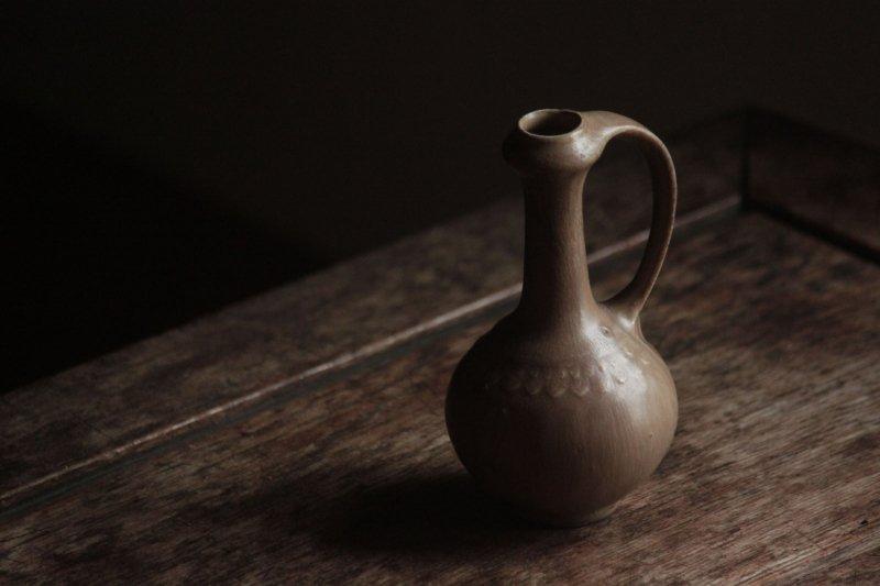 生形由香 色釉手付瓶-01