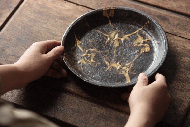 山田洋次 打化粧7寸ドラ皿-1