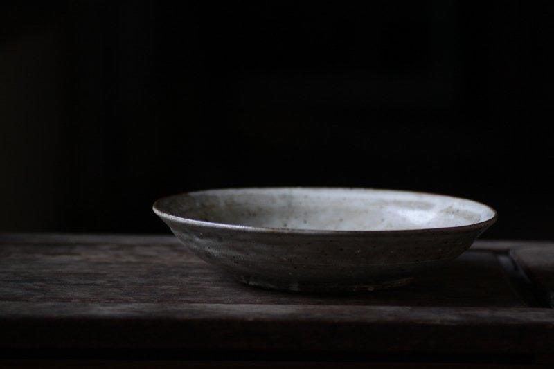 竹本ゆき子 ひび粉引8.5寸浅鉢