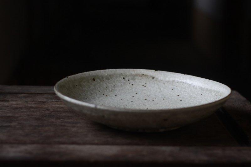 竹本ゆき子 ひび粉引黄灰釉8.5寸浅鉢