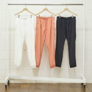 <img class='new_mark_img1' src='//img.shop-pro.jp/img/new/icons1.gif' style='border:none;display:inline;margin:0px;padding:0px;width:auto;' />UNUSED アンユーズド nylon pants. ナイロンパンツ UW0697