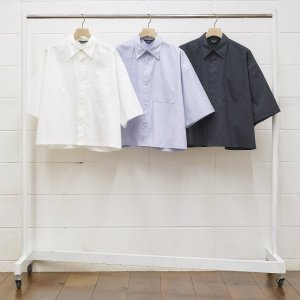 <img class='new_mark_img1' src='https://img.shop-pro.jp/img/new/icons1.gif' style='border:none;display:inline;margin:0px;padding:0px;width:auto;' />UNUSED アンユーズド short sleeve shirts. US1747