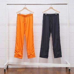 <img class='new_mark_img1' src='https://img.shop-pro.jp/img/new/icons8.gif' style='border:none;display:inline;margin:0px;padding:0px;width:auto;' />UNUSED アンユーズド nylon pants. UW0906