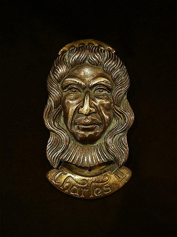 イギリスアンティーク 真鍮ドアノッカー/チャールズ2世