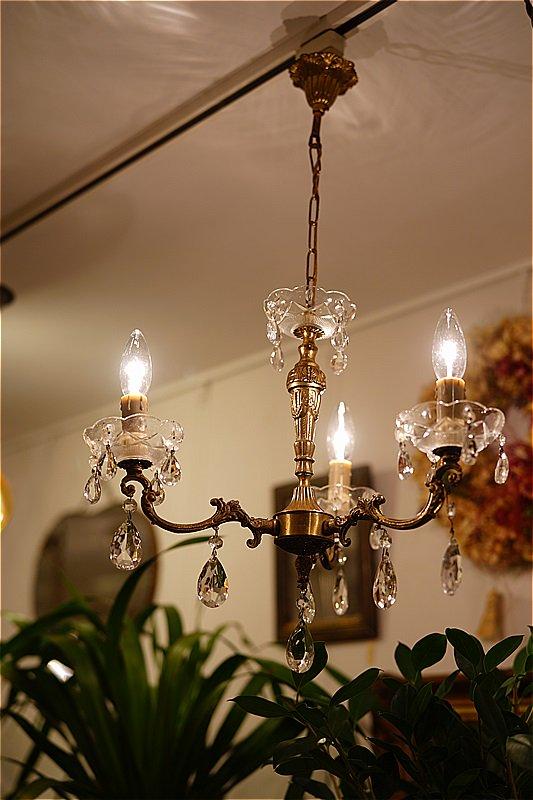 イギリスアンティーク ブラス3灯シャンデリア/ドロップ型パーツ