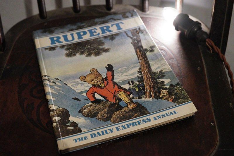 【送料無料】イギリスアンティーク 絵本 1970年発行  RUPERT THE DAILY EXPRESS ANNUAL