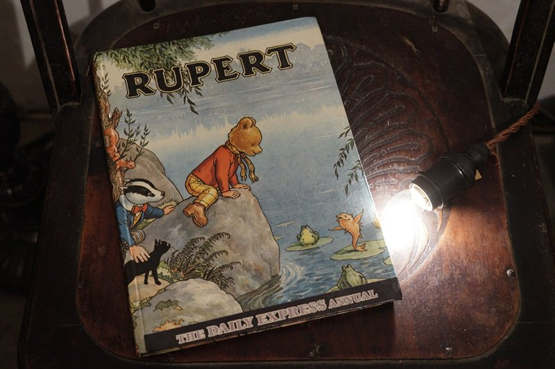 【送料無料】イギリスアンティーク 絵本 1969年発行 RUPERT THE DAILY EXPRESS ANNUAL