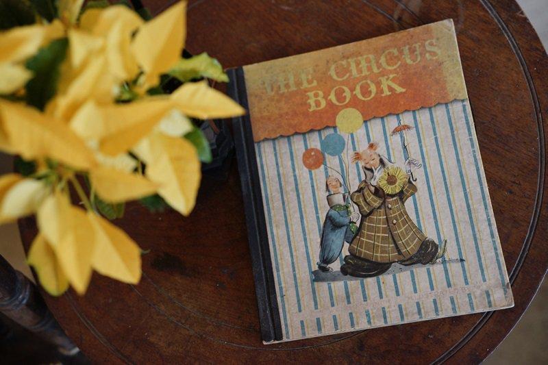 【送料無料】イギリスアンティーク 絵本 1946年発行 THE CIRCUS BOOK